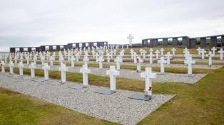 Argentina y Reino Unido se reúnen para avanzar en la identificación de soldados NN en Malvinas