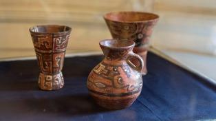 Bolivia exhibe las piezas arqueológicas que fueron devueltas por Argentina