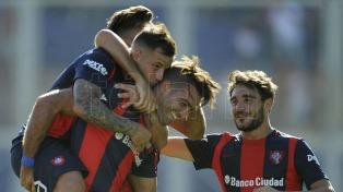 San Lorenzo le ganó a Unión y se puso en lo más alto del campeonato