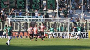 Estudiantes cayó ante San Martín y no logró recuperar la punta