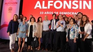 Se conmemoró el 33° aniversario de la llegada de Alfonsín a la presidencia