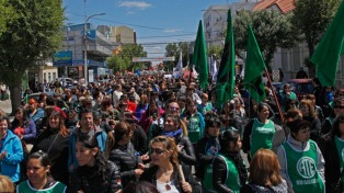 Tras la represión, los gremios llaman a una nueva marcha provincial