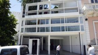 """La Cámara de Turismo agradece a Maradona """"por la revolución"""" que genera en La Plata"""