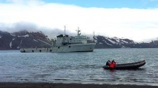 Destacan a un barco argentino para colaborar en la búsqueda del avión perdido
