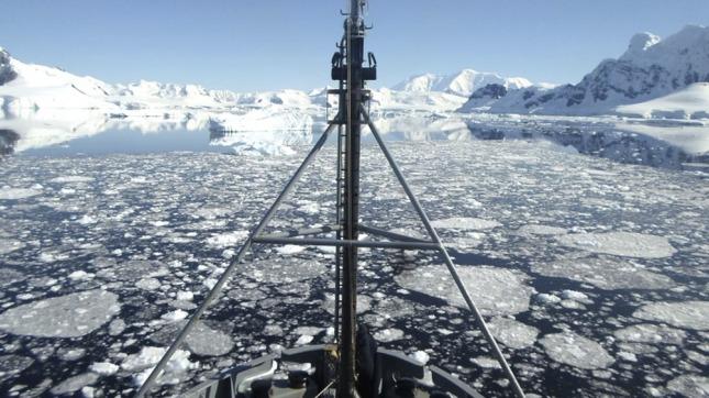 Zarpó el barco que patrullará la Antártida