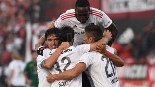 Newell´s goleó a Aldosivi y le mete presión a Boca