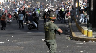 Protestaron contra Maduro tras revelarse que hubo cinco muertos en los disturbios