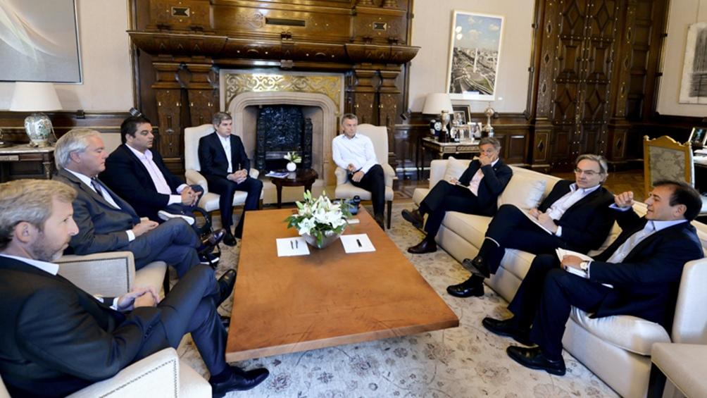 El Presidente analiza con la mesa chica del Gabinete el acuerdo con el FMI