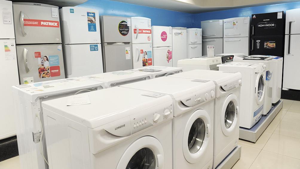 Autorizan venta al por menor de electrodomésticos y autos en zona franca
