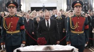 Despidieron al embajador Karlov con todos los honores