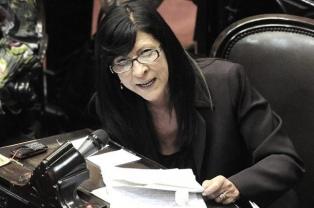 """Diana Conti se mostró a favor de una nueva Constitución que """"exprese la voluntad popular"""""""
