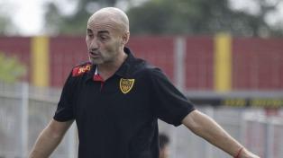 Colón presentó una demanda en la FIFA contra Paolo Montero por incumplir su contrato