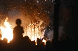Un muñeco del chileno Vidal fue quemado en el tradicional festejo de Año Nuevo