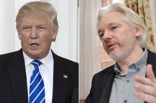 Trump defendió a Assange por el hackeo al asesor de Hillary Clinton