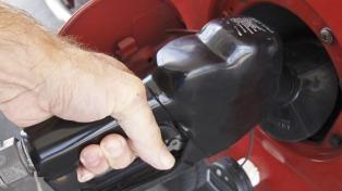 El Gobierno avanza en un acuerdo con empresarios y gobernadores por el precio de los combustibles