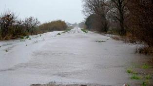 Siguen cortadas varias rutas en Santa Fe pero hay alivio tras un día sin lluvias