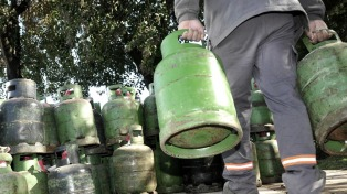 La garrafa de gas de 10 kilos continuará a $97 en zonas sin redes domiciliarias