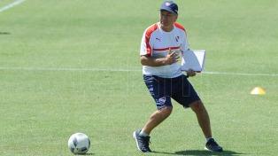 Holan ensaya con Sánchez Miño y Domínguez en el equipo titular