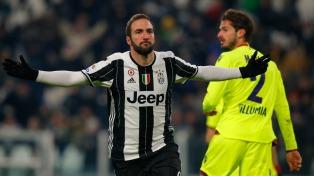 Se lesionó Higuaín aunque Juventus le ganó el clásico a Torino