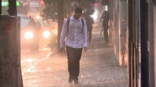 En 12 horas cayó dos veces y media el promedio de lluvias de noviembre