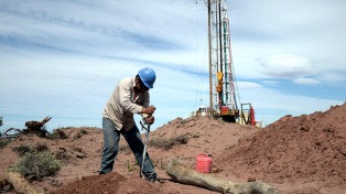 Para acelerar las inversiones en Vaca Muerta, garantizan precios mínimos a productoras de gas