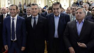 "Macri afirmó que Vaca Muerta abre ""una etapa de futuro para la energía"" argentina"