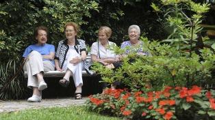 Cohousing o vivir con amigos en la vejez, una tendencia mundial que suma adeptos en Argentina