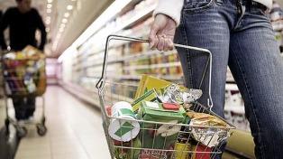 El costo de la canasta básica total subió 3,3% en febrero