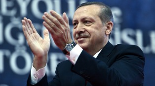Partido gobernante nomina a Erdogan como candidato presidencial