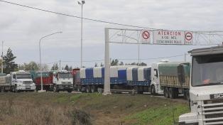 Restringen la circulación de camiones por el regreso del fin de semana largo