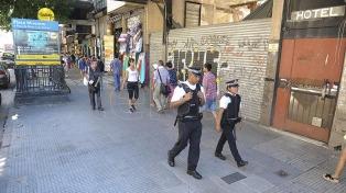 No quedan manteros detenidos pero sigue el fuerte operativo policial