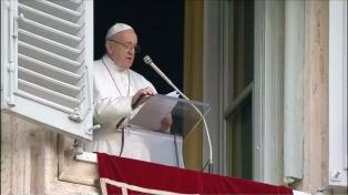 """El Papa critica """"la búsqueda obsesiva de bienes terrenales y de las riquezas"""""""