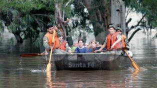 Cientos de evacuados por inundaciones al sur de Santa Fe