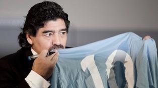 Maradona celebró los 30 años del primer título del Napoli