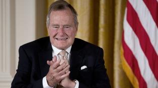"""George W. Bush también señala una """"evidencia clara"""" de la injerencia rusa"""
