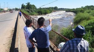 El gobierno provincial defendió su plan de obras por inundaciones