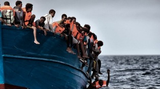 Coordinan el rescate de más de 1.000 personas en el mar Mediterráneo
