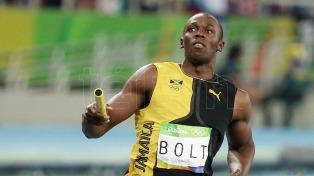 Bolt puso fin a su exitosa carrera con una lesión que le impidió terminar la posta 4x100