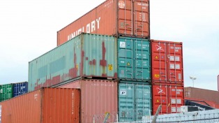 El intercambio comercial dejó un déficit de 1.083 millones de dólares en agosto