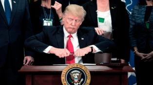 Trump firmó un decreto que reduce irregularidades federales a las empresas