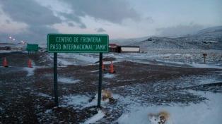 El paso de Jama permanecerá cerrado por acumulación de nieve en ruta chilena