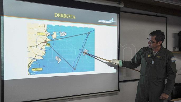 Cientos de barcos pesqueros extranjeros depredan al borde del mar Argentino (INFOBAE) 588bb1c1acb64_685x386