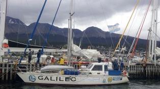 Llegó el velero que homenajeará al Crucero General Belgrano