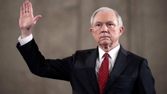 Trump está satisfecho con la presentación de Sessions ante el Senado