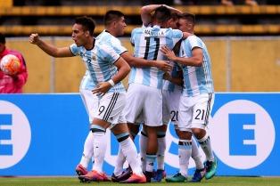 Agónico triunfo de Argentina frente a Colombia en Quito