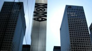 Una exposición digital del MOMA reúne obras de León Ferrari, David Lamelas y otros argentinos
