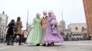 Piden limitar la cantidad de turistas que visitan la ciudad de Venecia