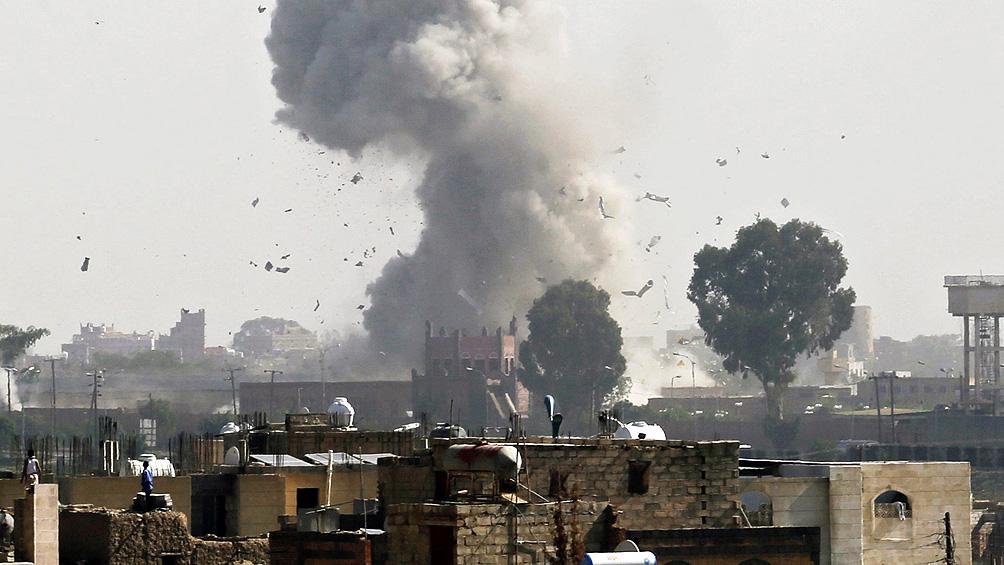 Denuncian bombardeos contra civiles tras el derribo de un avión