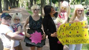 Argentina podría convertirse en el primer país en proteger los derechos de los albinos