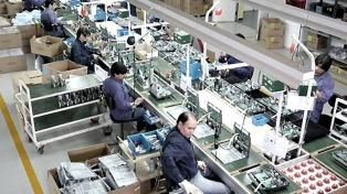Sica analiza rectificar un decreto que permite la importación de bienes electrónicos